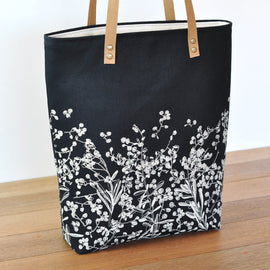 Pods Natural on Black Lined Tote