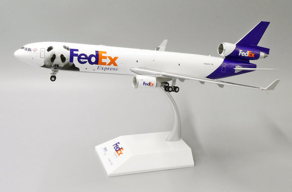 XX2284 - JC Wings 1/200 FedEx McDonnell Douglas MD-11F (Panda Express #3) - N585FE