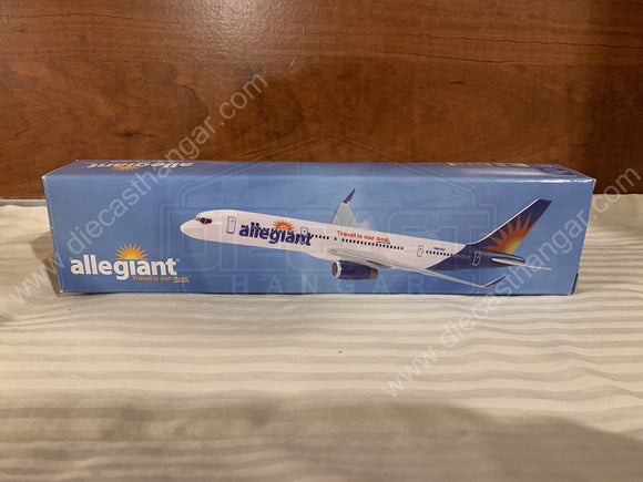 Flight Miniatures Allegiant Air Boeing 757-200 - 1/200 Scale - ABO-75720H-059 - N902NV