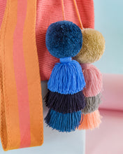 Load image into Gallery viewer, Paz de Ariporo Special Pompons Crossbody Bucket