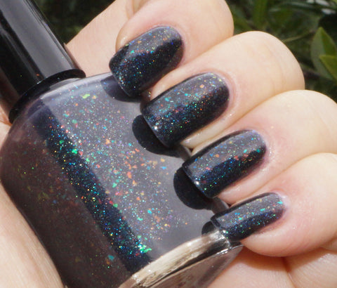 Rainbow in the Dark - black rainbow colorshifting flakie, linear holographic-more