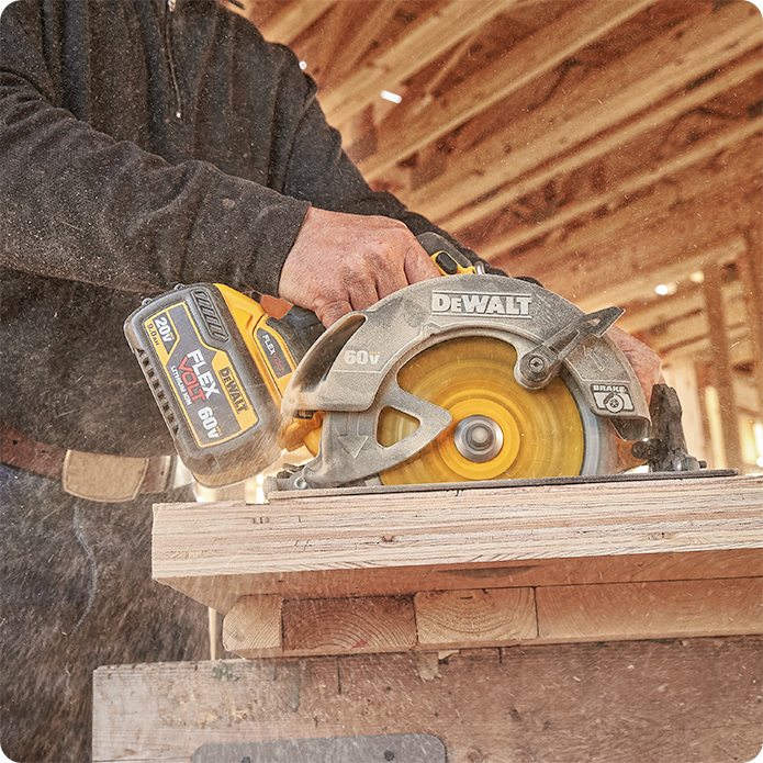 DEWALT FLEXVOLT 60V MAX Circular Saw with Brake Kit, 7-1/4-Inch, Brushless (DCS575T2)