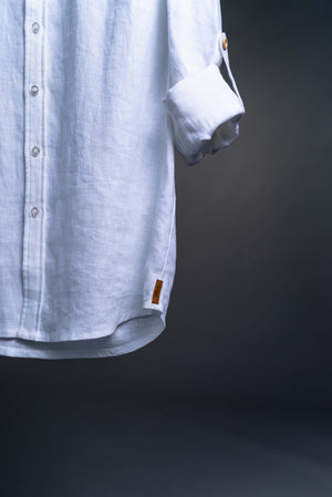 Discovery the true comfort of the natural linen fabric. The shirt are perfect for everyday use looking representable but comfortable. The Nordic Storm linen shirt are made of high quality linen and are developed in Norway, representing Scandinavian design in a classic design.