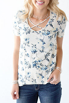 OATMEAL FLORAL CRISS CROSS TEE | DUSTY BLUE