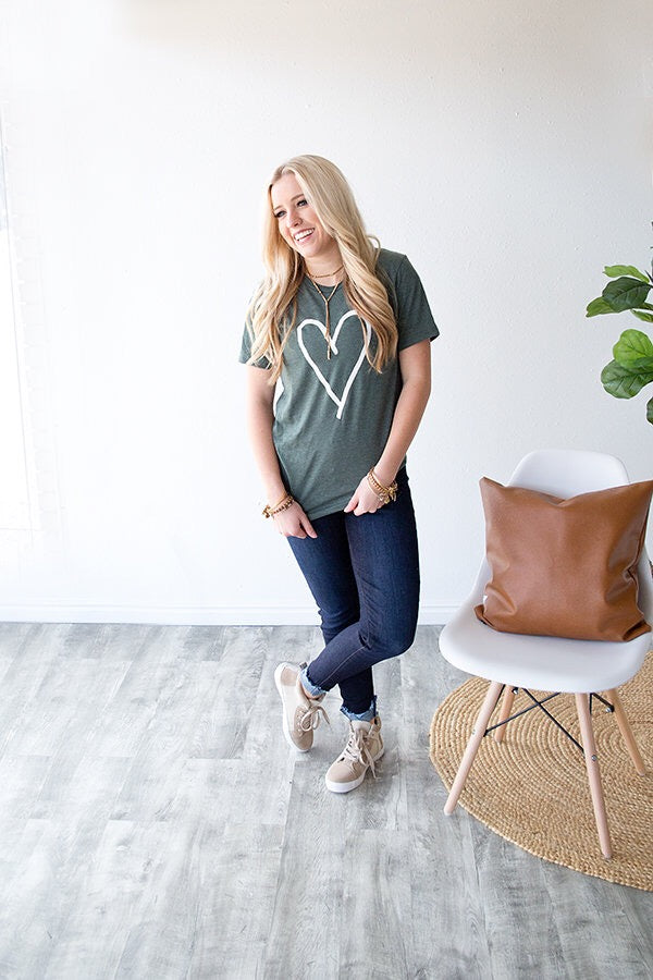 HEART GRAPHIC TEE | HEATHERED EMERALD