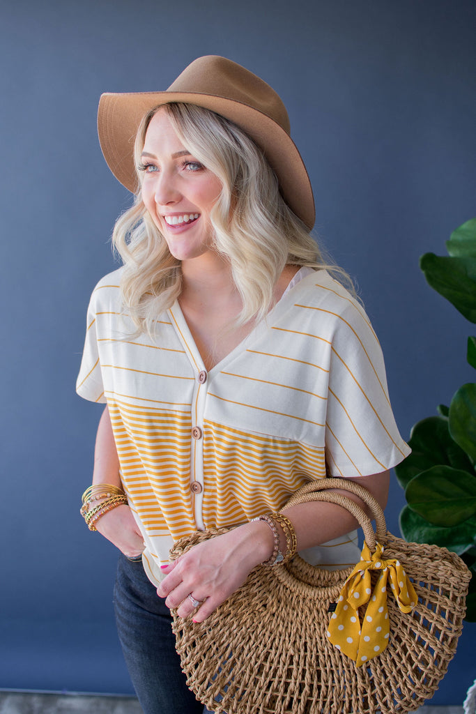 GWENDOLYN STRIPED KNOT TEE | MUSTARD