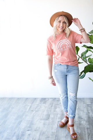 WILD AND FREE GRAPHIC TEE | CORAL