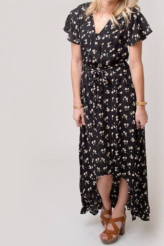 BLACK FLORAL CRESCENT HEM DRESS