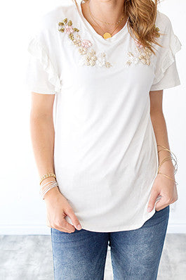 LAYLA EMBROIDERED FLORAL TEE | IVORY