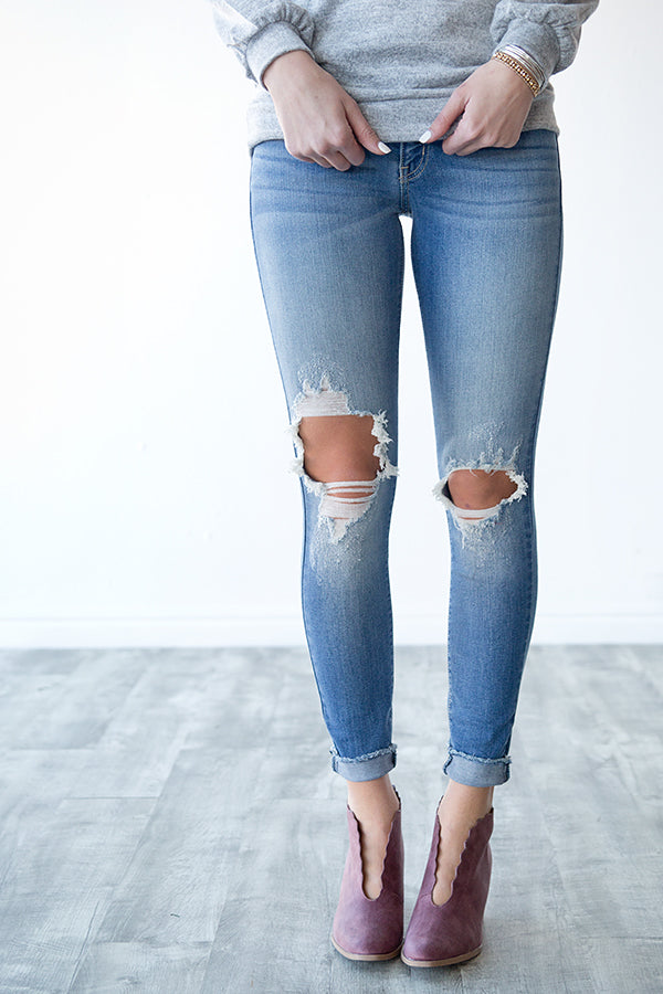 HANNAH DISTRESSED KNEE DENIM | MEDIUM WASH