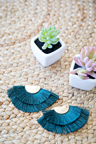 MIDNIGHT DREAM TASSEL EARRING | EMERALD