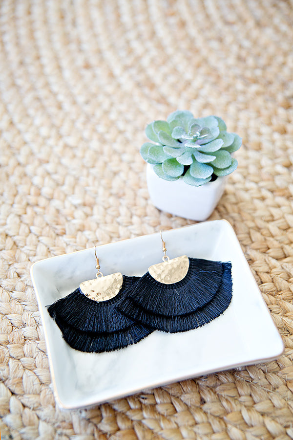 MIDNIGHT DREAM TASSEL EARRING | BLACK