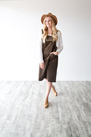 ELLEWOOD CORDUROY JUMPER DRESS | OLIVE