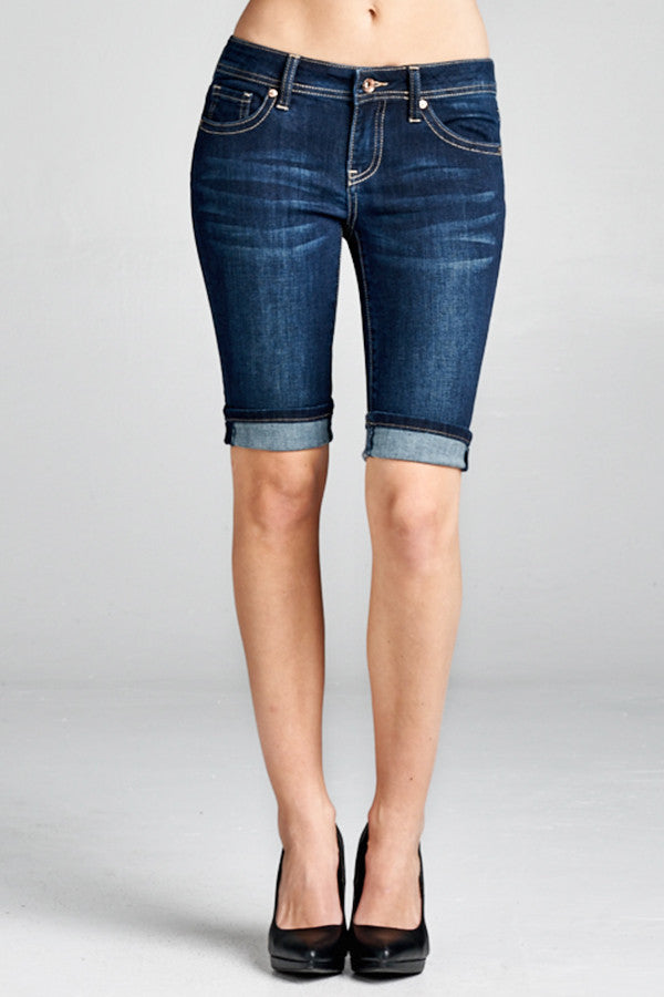 DARK WASH BERMUDA SHORT