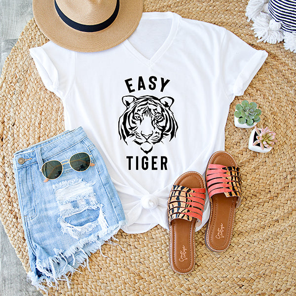 EASY TIGER  GRAPHIC V NECK TEE | WHITE