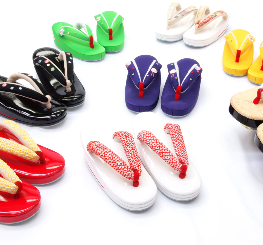 Japanese footwear on KiGinKin - Zori