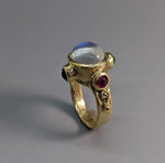 Rainbow Moonstone, 14kt Gold Ring