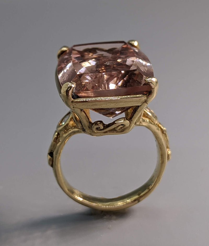 Morganite 14kt Gold Ring with Diamonds