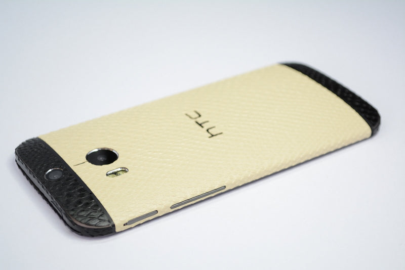 HTC One M8 beige black snake skin