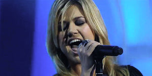 Let Kelly Clarkson's Vintage Performance of 'Walk Away' Rock Your World for a Few Minutes