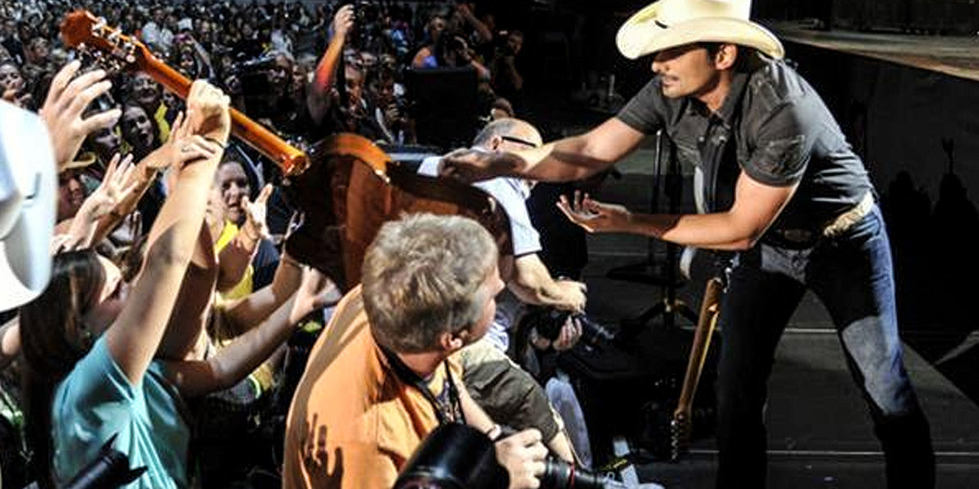 Brad Paisley Gives His Guitar To A Little Brother During His Concert!