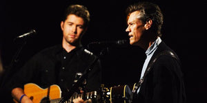 Randy Travis and Josh Turner Dazzle the Crowd in This Vintage Performance