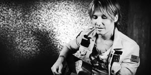 Keith Urban's Impromptu Black and White Performance Will Charm You
