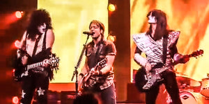 We Can't Stop Laughing at Keith Urban's Reaction to the Ultimate Onstage Prank