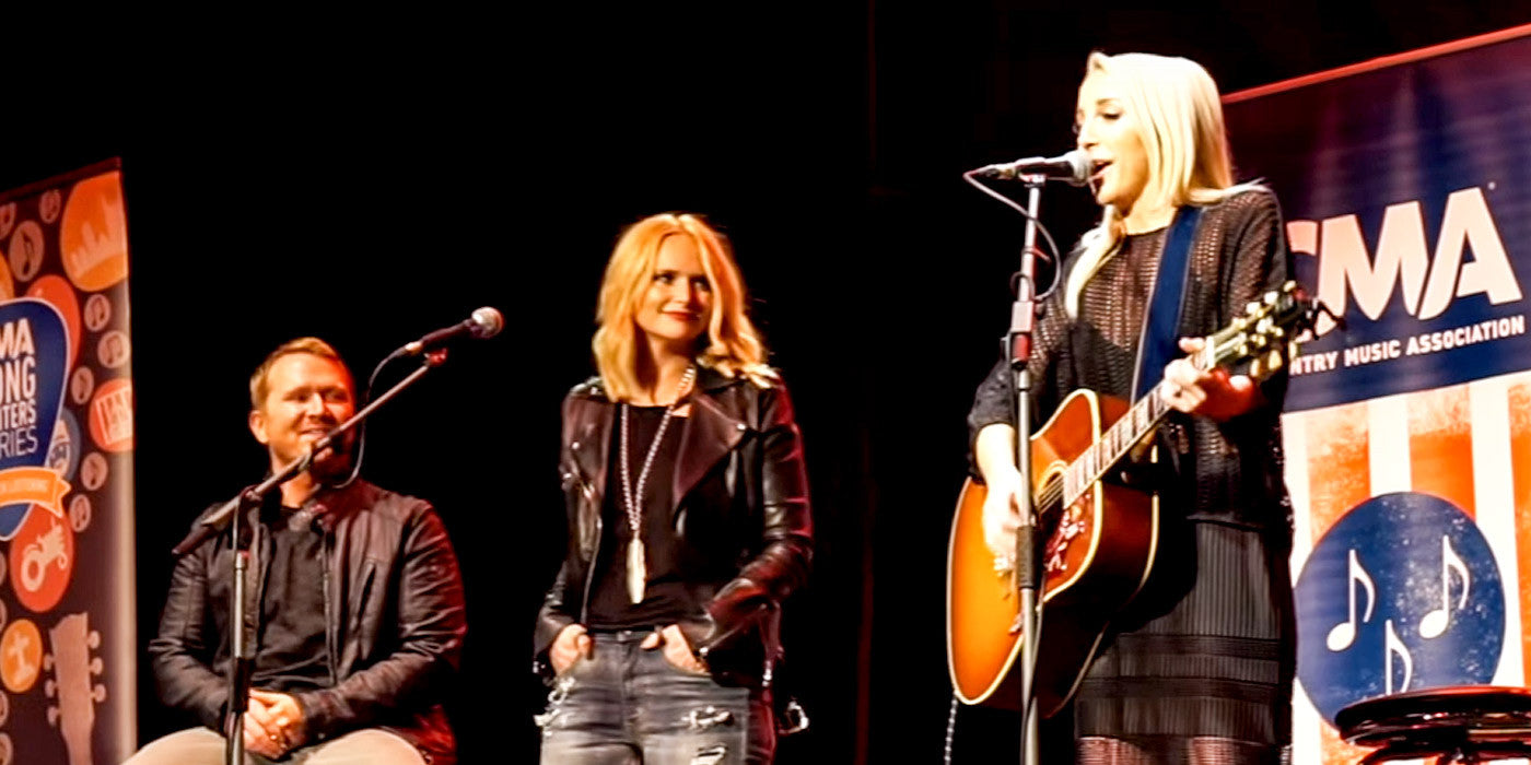 Miranda Lambert and Ashley Monroe Together On Stage Performing 'Heart Like Mine'