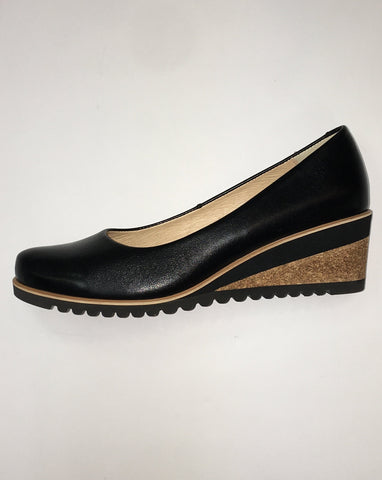 "Italia ""Korek"" Black Pump"