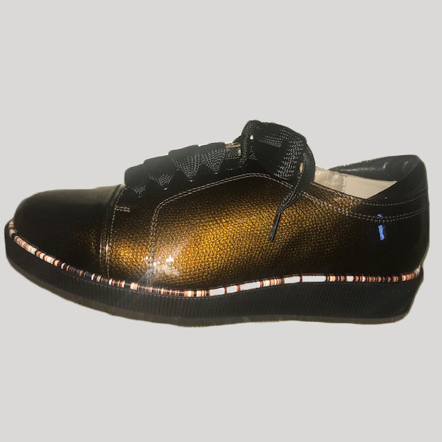 Brown Textured Shiny Shoe??
