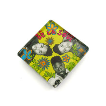 Load image into Gallery viewer, Glass album Cover magnet by BBJ - De La Soul 3 feet High and Rising
