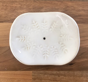 Ceramic soap dish - White leaf imprint