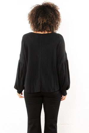 Willow V Pocket Tee Black