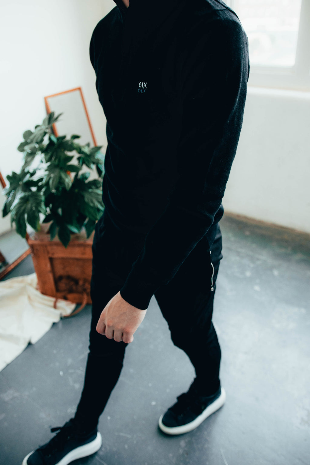 6IX MERINO ZIP NECK JUMPER BLACK FEAT. CONTRAST LOGO - 6IX Collection