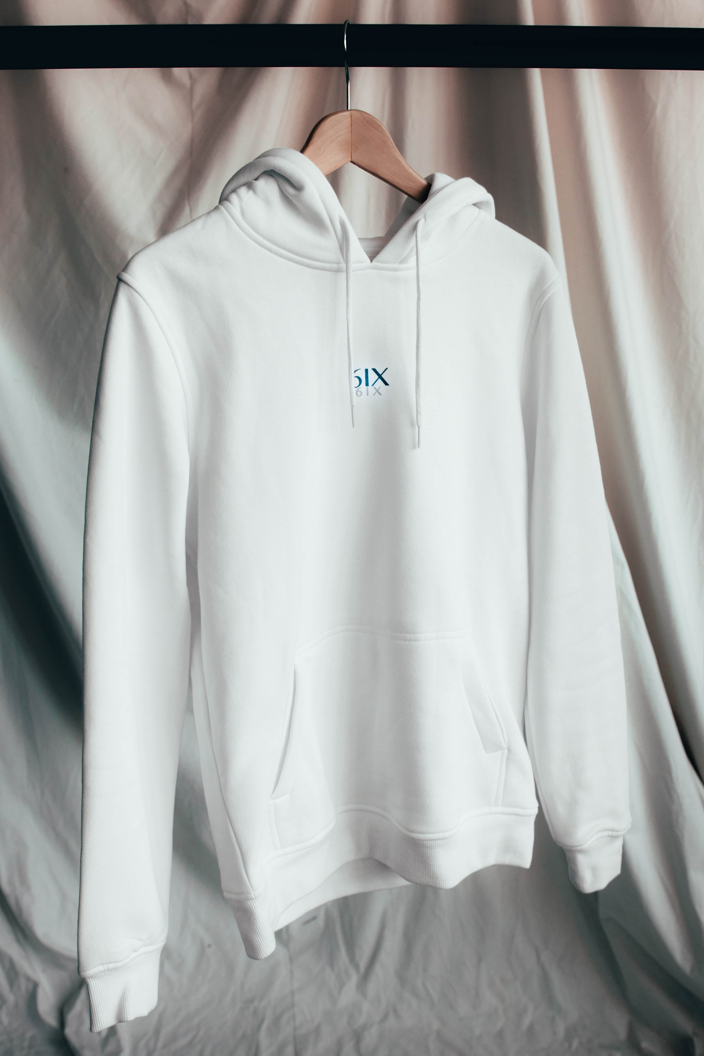 6IX CONTRAST LOGO HOODIE WHITE - 6IX Collection