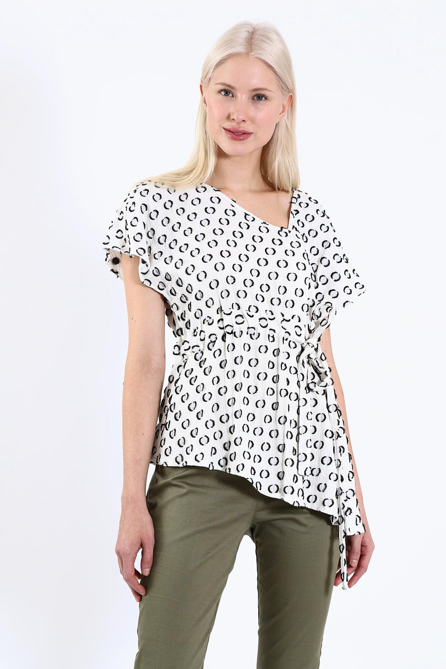 SCARLET TOP BLACK & WHITE GRAPHIC DOT