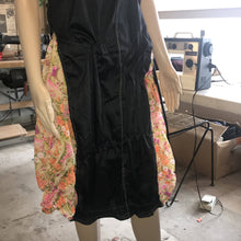 Load image into Gallery viewer, Silk Dress size 9