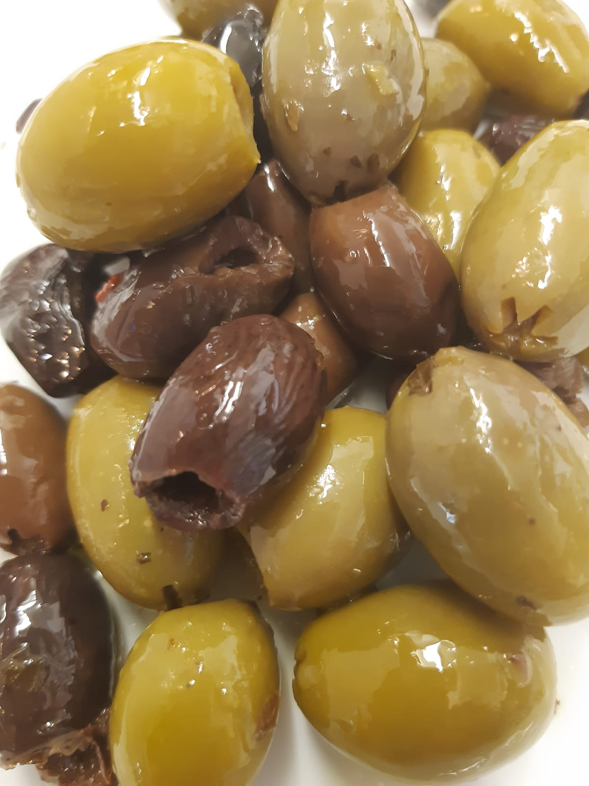 Marinated Green and Taggiasca olives - pitted