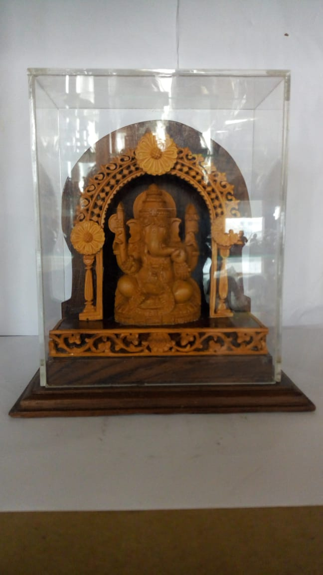 Sandal Wood - Arch Ganesh in Acrylic Box