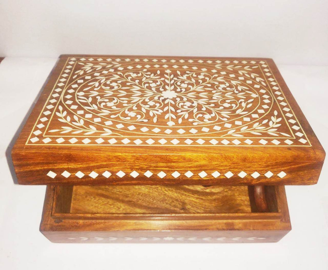 Wooden Box (Inlay Work) 8x3in