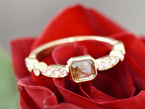 Champagne diamond gold ring
