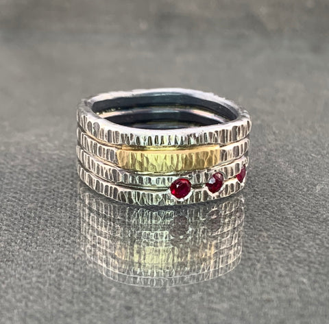 Hammered 18KT/SSR ring with ruby accents