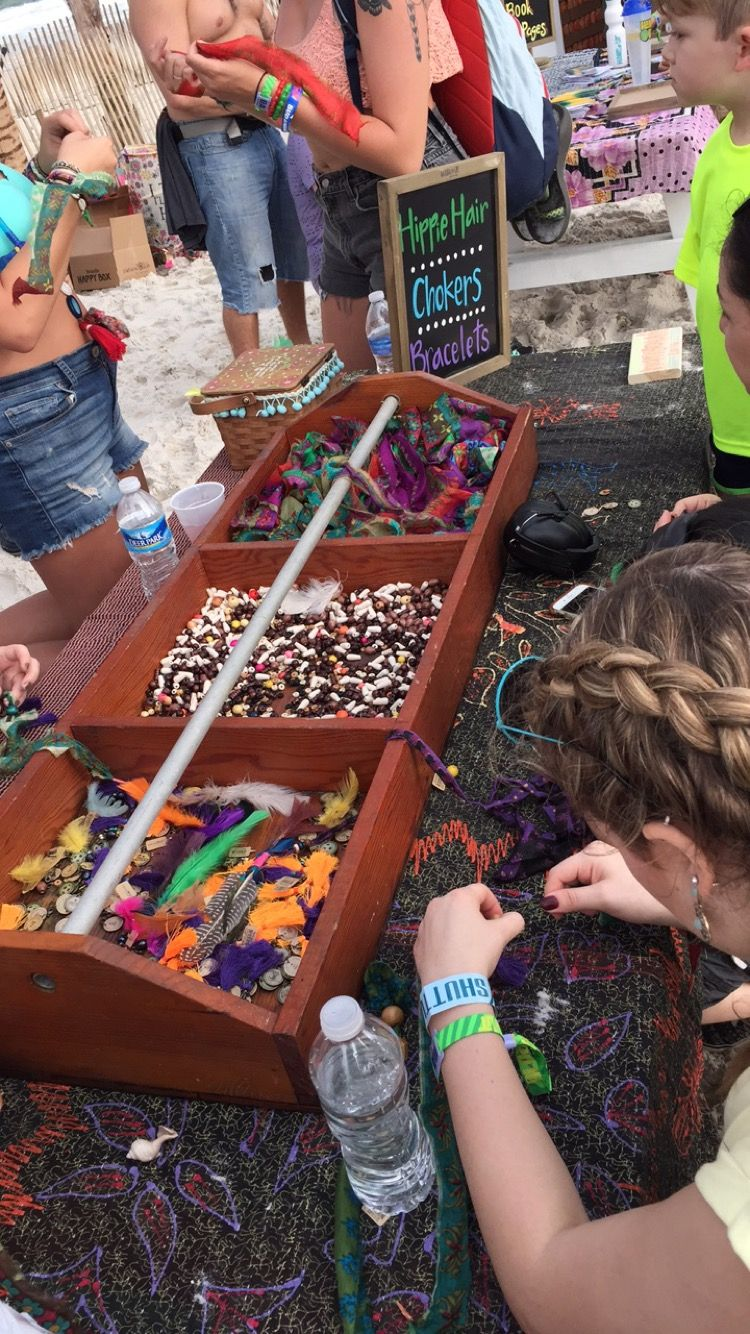 Crafts at Hangout Music Festival