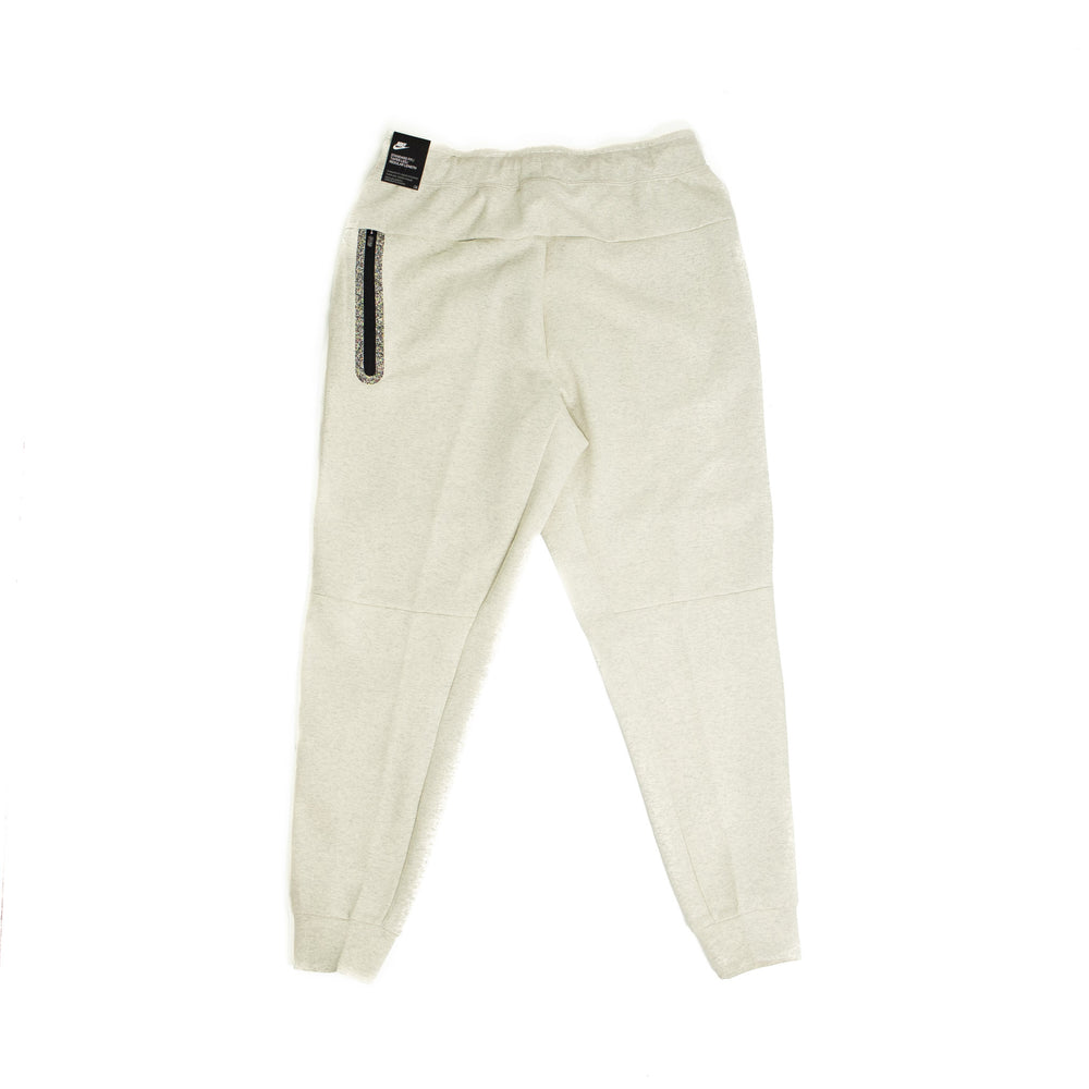 Load image into Gallery viewer, Nike Grind Tech Fleece Pant 'Heather White'
