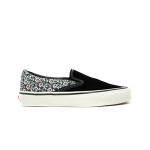 Load image into Gallery viewer, Vans Vault OG Classic Slip-On LX 'Micro Daisy Black'