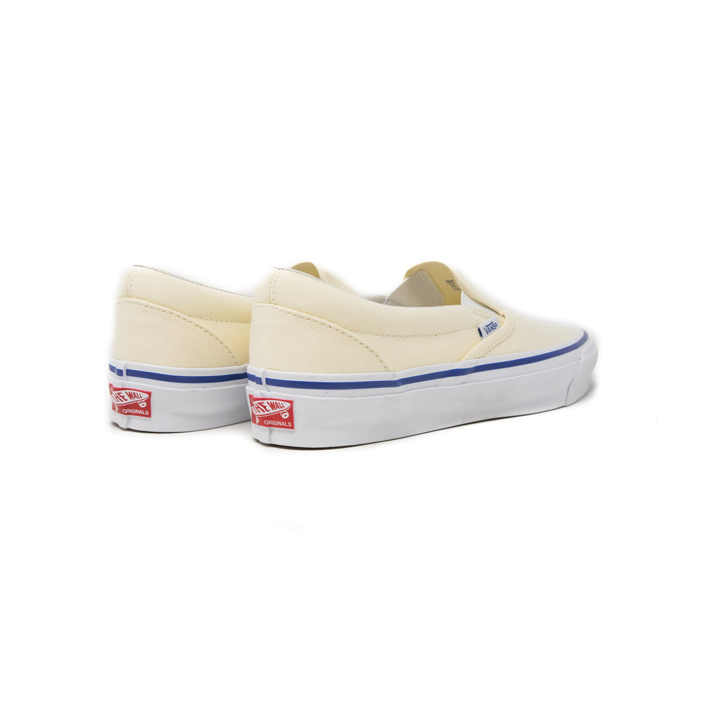 Load image into Gallery viewer, Vans Vault OG Classic Slip-On 'True White'