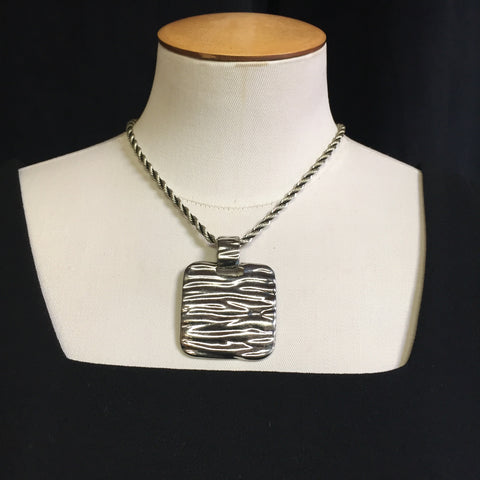 Chico's Metal Design Statement Necklace w/adjustable chain