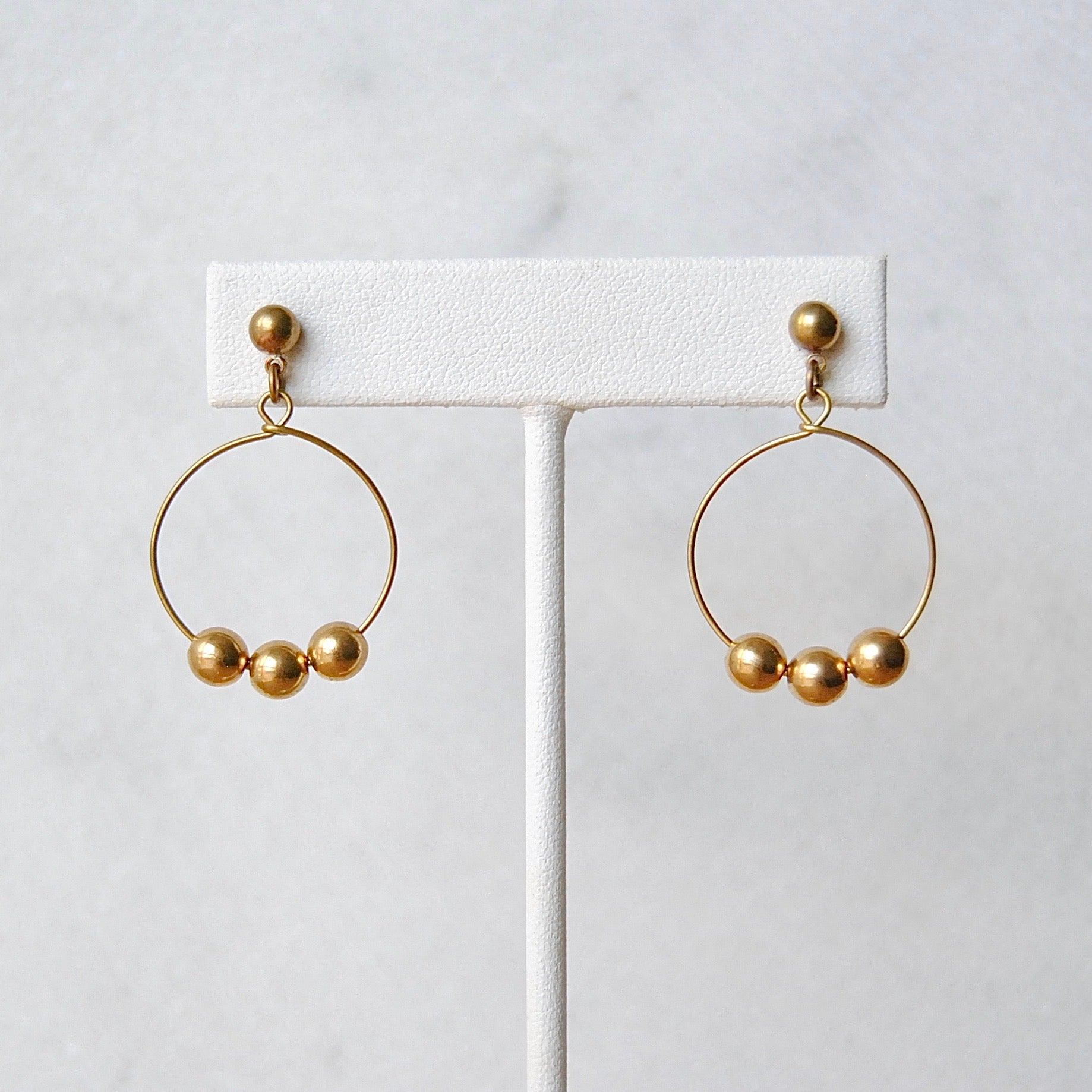 MINIMAL HOOP EARRINGS