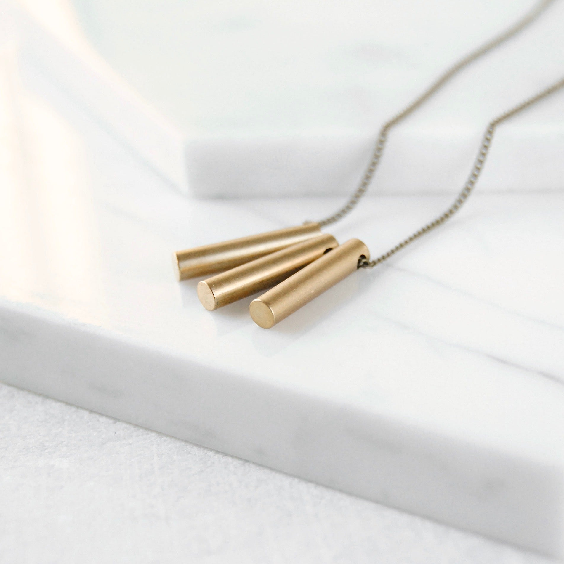 BAR TRIO NECKLACE